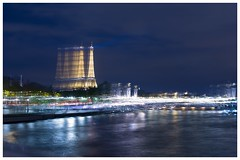 La démultiplication de la Tour Eiffel.....    parfois je ris de moi-même (catherinemarion151) Tags: pontalexandre nocturne paris duplication toureiffel