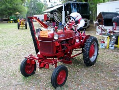 1948 McCormick Farmall Cub tractor 2912 (Tangled Bank) Tags: visiting stephen foster folk culture center state park white springs florida old classic heritage vintage history historical museum south southern rural america american dixie technology 1948 mccormick farmall cub tractor 2912 farm farming agriculture agricultural equipment