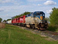 D&H 7304- Shoving back at Rosemount (Khang Lu) Tags: dh delaware hudson gp382 7304 northfield job mn minnesota rosemount cp canadian pacific railroad train locomotive albert lea emd