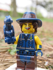 Vest Friend Rex and Baby Raptor (Paranoid from suffolk) Tags: 2019 lego mystery blind bags legomovie2 series collectible minifigs minifigures rex raptor
