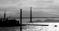 Golden Gate Bridge: A different perspective (peggyhr) Tags: peggyhr bw bay boats dsc00346ax sanfrancisco california usa goldengatebridge silhouettes lines ship super~sixbronze☆stage1☆ frameit~level01~ thegalaxy thegalaxystars level1pfr visionaryartsgallerylevel1 aoi artofimages~aoil1~ infinitexposurel1 thegalaxyhalloffame infinitexposurel3