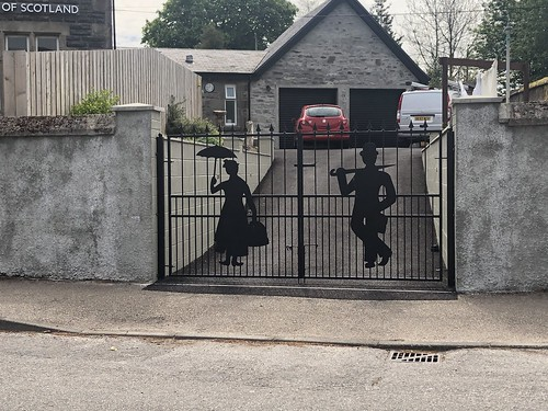 Mary Poppins gate