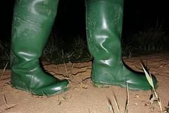 Return to Mucking Flats in Daiwa Waders (essex_mud_explorer) Tags: daiwa coarsefisher coarsefisherfordaiwa waders rubber boots rubberboots rubberwaders thighboots thighwaders hip watstiefel cuissardes gummistiefel rubberlaarzen caoutchouc hunter gates uniroyal madeinbritain madeinscotland vintage stanfordlehope essex mucking muckingflats