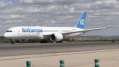 IMG_8684 (Pablo_90) Tags: plane planespotting lemd mad spo spotting airbus bo boeing a320 a330 a380 b737 b787 airport aircraft