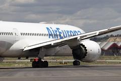 IMG_8512 (Pablo_90) Tags: plane planespotting lemd mad spo spotting airbus bo boeing a320 a330 a380 b737 b787 airport aircraft