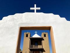 San Geronimo Church at Taos Pueblo, NM (__ PeterCH51 __) Tags: adobearchitecture architecture adobe stjeromechapel sangeronimodetaos sangeronimochapel sangeronimochurch sangeronimo chapel church newmexico amerika america usa taospueblo taos iphone peterch51 unesco weltkulturerbe unescoworldheritage