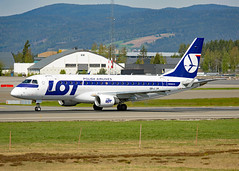 SP-LIN (Skidmarks_1) Tags: splin lot embraer erj175 engm norway osl oslogardermoenairport aviation aircraft airport airliners