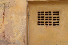 yellow house (Hayashina) Tags: sardegna alghero italy yellow house window hww wall