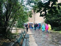 Camminando sotto la pioggia (eshao5721) Tags: piovie gente colori visita