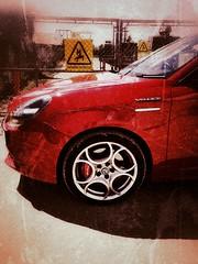 Grungey Giulietta 1 (35mmMan) Tags: alfa romeo giulietta rosso grunge snapseed huaweip20pro veloce 1750 tb teledials