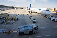 Narita airport. (BE-MELLOW) Tags: 成田 narita nrt united