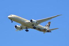 Etihad Airways Boeing 787-9 A6-BLR - Manchester Airport (dwb transport photos) Tags: etihadairways boeing dreamliner a6blr manchesterairport manchester