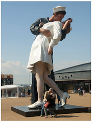 The Kisses (Tim Anderson 1954) Tags: portsmouth dockyard gunnwharf spinnaker tower diver helmet nelson victory warrior
