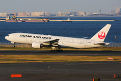 Japan Airlines Boeing 777-289 JA007D (Mark Harris photography) Tags: spotting hnd plane aviation canon