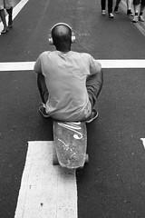 0185 (*Ολύμπιος*) Tags: sãopaulo people persone persons pessoas cidade city città cittè ciudad ciutat street streetphotography streetlife streetphoto gente girl garota giovanni girls garotas fotoderua foto femme domingo domenica daybyday diaadia donna woman women mulher man avpaulista avenidapaulista pb pretoebranco bw biancoenero bn blackandwhite noiretblanc