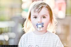 19h37 (Mathieu Muller) Tags: outdoor extérieur printemps spring bébé baby kid child enfant girl dof depthoffield minimaldof backlight contrejour sun sunny sunlight mathieumuller wwwmathieumullercom