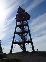 Schauinslandturm (Klemens Maier) Tags: freiburg breisgau baden badenwürttemberg deutschland schwarzwald südbaden schauinsland sony dschx350 eugenkeidelturm schauinslandturm 1284 turm aussichtsturm wolken himmel
