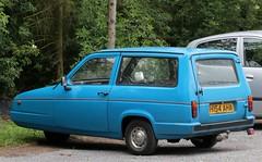 H154 AHA (Nivek.Old.Gold) Tags: 1990 reliant rialto 850 van 848cc