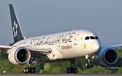 ET-ATG (AnDyMHoLdEn) Tags: ethiopian ethiopianairlines staralliance 787 dreamliner egcc airport manchester manchesterairport 23l