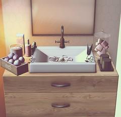 Piling Stuff Up (Sadystika Sabretooth) Tags: fancydecor homedecor secondlife tmd ariskea halfdeer
