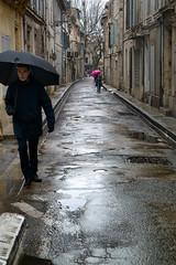 Jour-de-pluie-- (RS...) Tags: arles rue street rain pluie parapluie umbrella nikon 1 v2