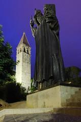 Grgur Ninski (sfryers) Tags: belltower svetogarnira statue grgurninski gregory nin split dalmatia croatia hrvatska smc pentaxda 15mm 14 limited gorillapod tripod