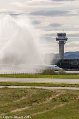 LN-WEA Widerøe Embraer E190-E2 (ERJ-190-300 STD) (Otertryne2010) Tags: 2019 2k19 enva norge norway trd trondheim værnes widerøe embraer e190e2 erj190300std shower