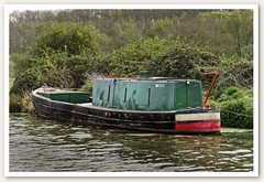 Canal Boat 521468 (Myrialejean) Tags: canal boat water green red navigation grantham 521468 centauri grandunioncanal harlandwolff barge guccc iceboat