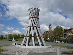 Une fontaine monumentale (Iris@photos) Tags: france occitanie tarn lacrouzette sidobre fontaine monument granit