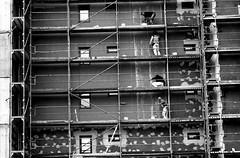 at work (Drehscheibe) Tags: workers nikonf2 35mm fp4plus film ilford ilfordmicrophendeveloper blackwhite classicblackwhite nikkor105mm trestle atwork bwfp