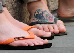 Dance Parade, New York 5-18-19 (local1256) Tags: feet malefeet malebody toes danceparade dance flipflop snadals danceparadenewyork tattoo maletattoo ink