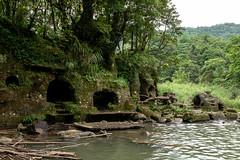 _DSC0243 (Y.S. Lien) Tags: waterplaying waterfall nature lingjiaowaterfall pingxi newtaipei taiwan 戲水 瀑布 自然 嶺腳瀑布 平溪 新北 台灣