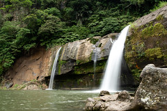 _DSC0234 (Y.S. Lien) Tags: waterplaying waterfall nature lingjiaowaterfall pingxi newtaipei taiwan 戲水 瀑布 自然 嶺腳瀑布 平溪 新北 台灣