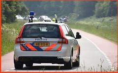 Dutch V70 Rotterdam Traffic Police. (NikonDirk) Tags: dutch traffic police rotterdam rijnmond politie nikondirk nederland netherlands holland nikon cop cops hulpverlening trafficpolice verkeers verkeerspolitie verkeer foto bicycle race course v70 nb911h command cycling 072775