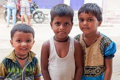 ** Kids of Bodhgaya **...India Album (geolis06) Tags: geolis06 asia asie inde india bihar bodhgaya hindu hindou mother child motherchild mère maman mèreenfant enfant portrait olympus bébé baby
