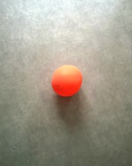 ORANGE. (angelique.guillaumard) Tags: orange gris minimaliste couleur ballon balloon air