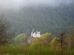 Arrens Marsous (vtossuma) Tags: château montagne verdure campagne