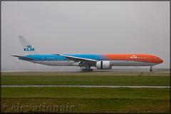 PH-BVA Boeing 777-306(ER) KLM (Orange Pride) (elevationair ✈) Tags: ams eham amsterdam schiphol schipholairport netherlands holland europe avgeek aviation airplane plane aircraft arrival departure boeing t7 tripler tripleseven 777 773 klm klmroyaldutchairlines boeing777306er orangepride phbva