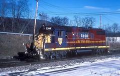 D&H 7308  Binghamton  01.09.95 (w. + h. brutzer) Tags: binghamton dh eisenbahn eisenbahnen train trains usa railway lokomotive zug dieselloks webru analog nikon