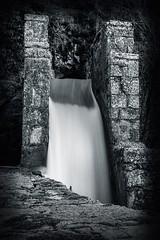 Vous prendrez bien un peu de lait (6line8) Tags: longexposure expositionlongue cascade waterfall sourcesdulison franchecomté nanssoussainteanne noirblanc blackwhite