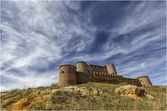Castillo de Almenar de Soria (Fernando Forniés Gracia) Tags: españa castillayleón soria almenardesoria castillo cielo nubes naturaleza rural paisaje landscape
