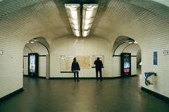 Metro Paris (J-CIO) Tags: 2019 35mm 35mmfilm analog film france kodak leica leicam6 paris portra400 summilux35mm