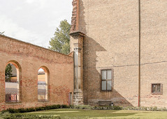 Ferrara-18 (e.berti93) Tags: ferrara architecture architettura art italy brick urban antico monumento castello estense piazza città bike