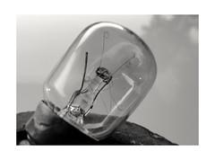 Macro Mondays : Broken (inside) (Tostaky2) Tags: macromondays noiretblanc blackandwhite blackdiamond filament cassé ampoule monochrome macro lightbulb light bulb broke broken