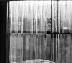 view of a room (chtaudt) Tags: strasse galway street push1600 westküste pentacon5018 nature prakticamtl5b 35mm september fomapan400 pentacon2928 inishmore sw 2017 blackwhite aranislands travel irland rodinal schwarzweis bw believeinfilm westireland praktica analog filmisnotdead europa europe