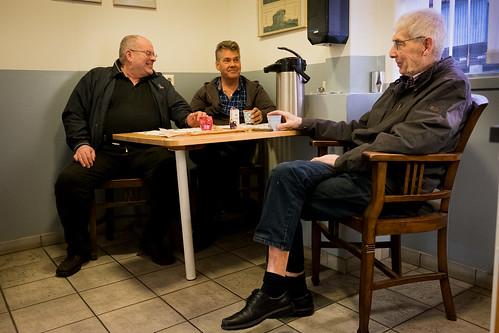 """Guðni Sveinsson, Stefán Friðriksson og Jón Dýrfjörð í Olís • <a style=""""font-size:0.8em;"""" href=""""http://www.flickr.com/photos/22350928@N02/37977260182/"""" target=""""_blank"""">View on Flickr</a>"""