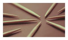 Convergence / MacroMondays / Stick (Tostaky2) Tags: stick bois curedent toothpick macro geometry symétrie géométrie lignes perspectives lines convergence macromondays