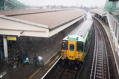 "Clapham Junction station • <a style=""font-size:0.8em;"" href=""http://www.flickr.com/photos/22350928@N02/39930796651/"" target=""_blank"">View on Flickr</a>"