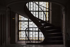Ascension lumineuse (Gerard Hermand) Tags: 1904058038 gerardhermand france paris canon eos5dmarkii billettes church escalier staircase eglise vitrail stainedglass