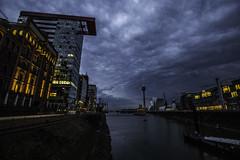 Düsseldorf0169Zollhafen (schulzharri) Tags: düsseldorf nrw deutschland germany europa europe architektur architecture glas modern haus building himmel gebäude stadt